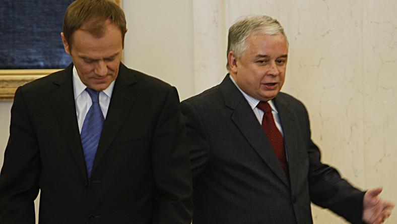 Starcie Kaczyńskiego z Tuskiem. O gospodarkę