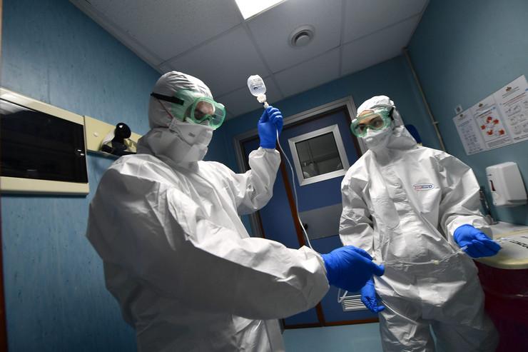 korona virus nove 20200130 epa luca zennaro genoa Di018198816