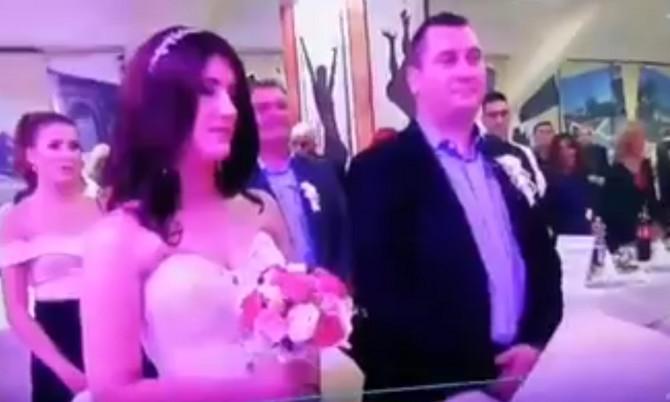 Svi pričaju o sceni sa venčanja