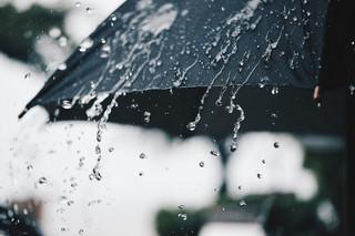 Za wodę z nieba, która wsiąknie w ziemię, przedsiębiorca nie musi ponosić opłat