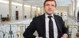 Kaczyński zawiesił go za szczepienie. Poseł tak się tłumaczy