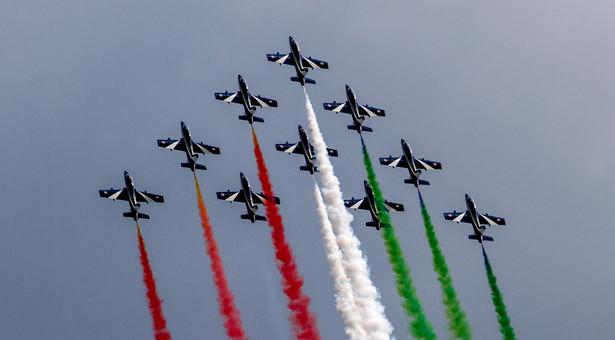 Pokaz zespołu akrobacyjnego Włoskich Sił Powietrznych - Frecce Tricolori, w ramach Międzynarodowych Pokazów Lotniczych Air Show w Radomiu