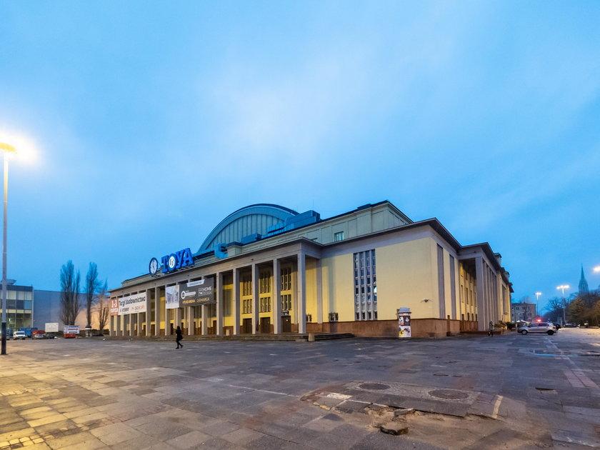 """Hala sportowa zagrała Pałac Młodzieży w Berlinie w """"Zimnej wojnie"""""""