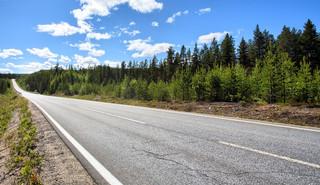 Na remonty samorządowych dróg będzie o 300 mln zł mniej
