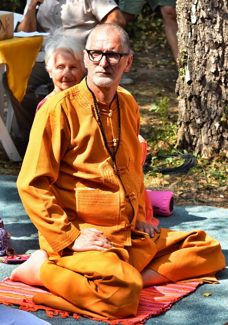 Gile otvaranje prvog budistickog manastira u Srbiji Srdjan Gojkovic Gile