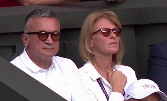Dijana i Srđan Đoković na finalu Vimbldona gledaju duel Novaka i Rodžera Federera