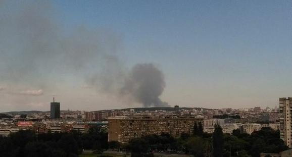 Dim se može videti iz raznih delova grada