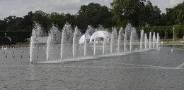 Zakazują kąpieli w fontannie! FILM