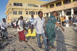 Atak na restaurację w Somalii. Zginęło co najmniej 20 osób