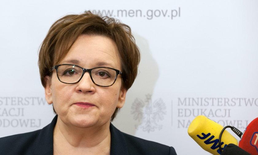 Nauczyciel z Oławy napisał do minister. Dołączył ogłoszenie z... Biedronki