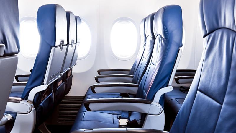 Dlaczego podczas lądowania i startu fotele muszą być ustawione w pionie?