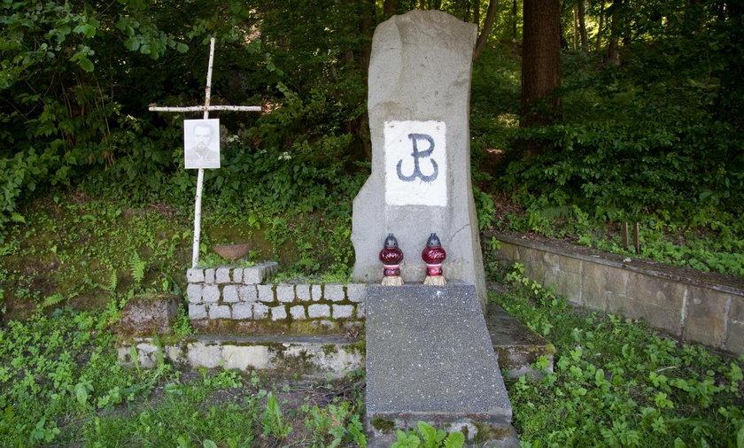 Łapanów. Ministerstwo kultury chce odnowić pomnik ubeków
