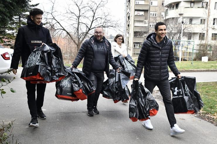 KK Partizan u poseti štićenicima doma Drinka Pavlović
