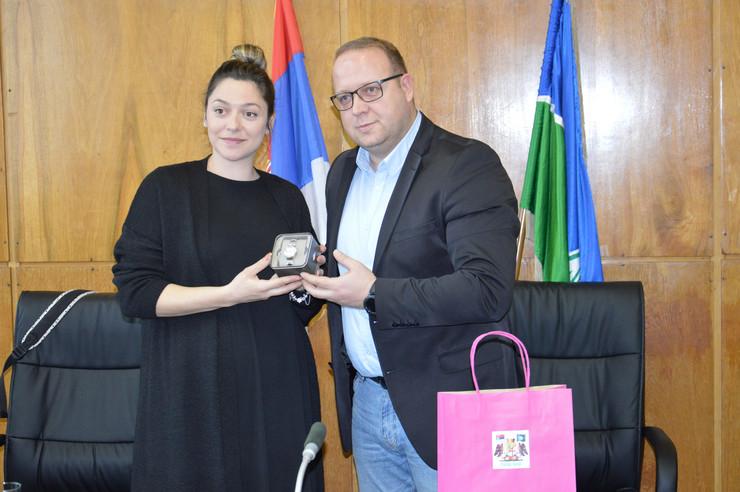 Bobana Velickovic i gradonacelnik Bora Aleksandar milikic foto DKecic