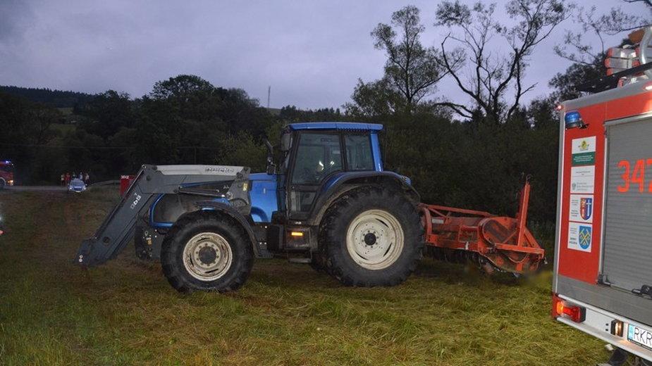 25-latek zmarł podczas prac polowych przy użyciu ciągnika rolniczego