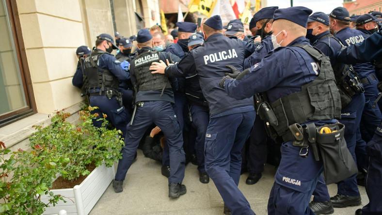 Policja i strajk przedsiębiorców