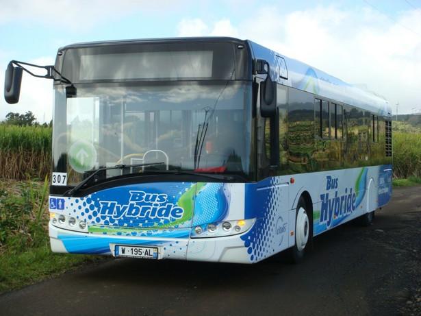 Solaris Urbino 12 - model, który jeźździ po wyspie Reunion na Oceanie Indyjskim. Fot. materiały prasowe Solaris