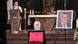 Ostatnia droga Piotra Świąca. Znanego dziennikarza pożegnali rodzina i przyjaciele