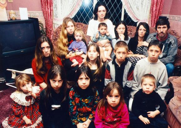Teri Harvej sa porodicom (1997)