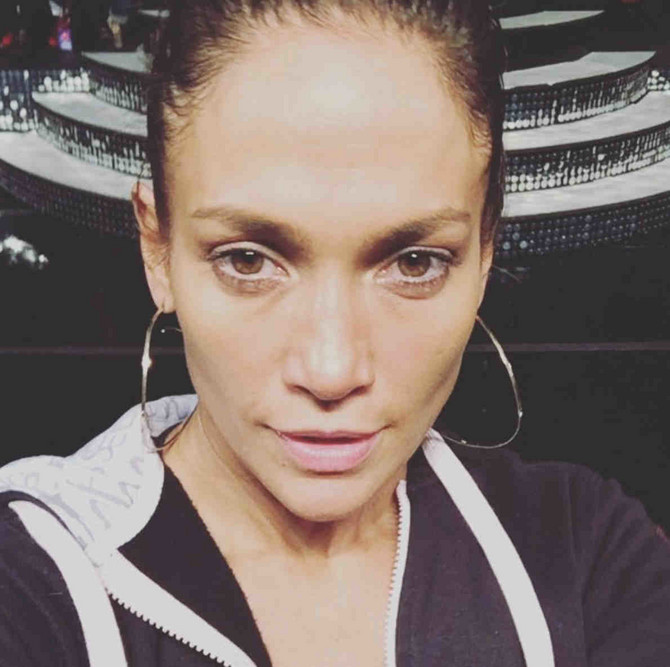 Džej Lo se ne ustručava da deli selfije bez šminke