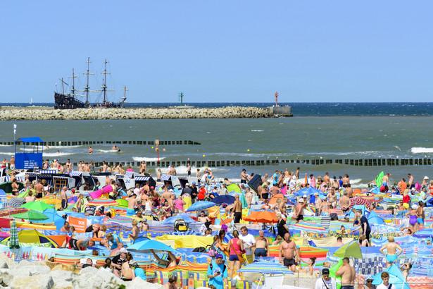 Piotr Kaszewiak nie ma wątpliwości: absolutnie nie można rezerwować miejsca na plaży parawanem