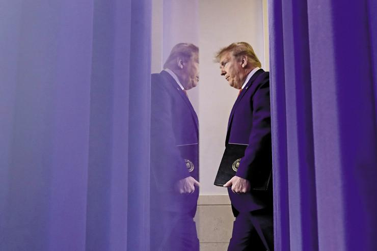 Ponašanje Donalda Trampa od izbijanja epidemije je sve ekstremnije