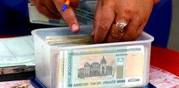 Bankomaty nieczynne. Cały kraj wymienia walutę