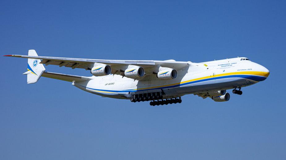Antonow 225