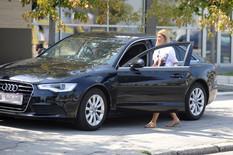 KUPILA NOV STAN I AUTOMOBIL Kija Kockar provozala besnu mašinu, pogledajte koliko je novca izdvojila! (VIDEO)