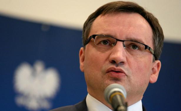 Zadeklarował, że rząd będzie konsekwentnie realizować reformę sądownictwa.