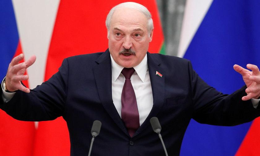 Wojskowi ostrzegają, że Aleksander Łukaszenka może doprowadzić do eskalacji konfliktu na granicy.