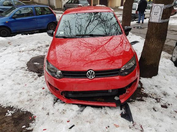 Nikolin uništeni automobil