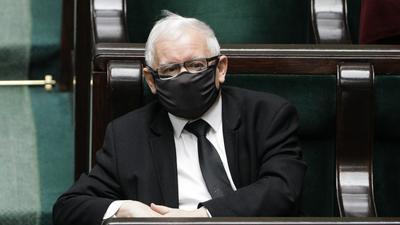 Kaczyński zbuntowany? Prezesowi grozi ośmieszenie w TVP