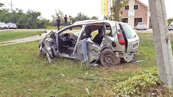 Automobil nakon nesreće u mestu Tabanović kod Šapca