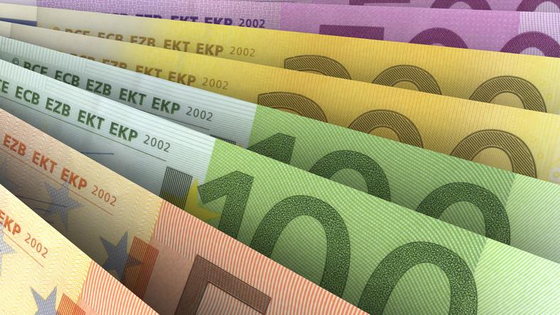 Sondaż CBOS: Polacy nie chcą euro. Boją się wzrostu cen