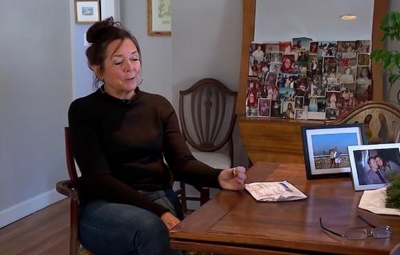 Debra Mekena i prsten koji je izgubila