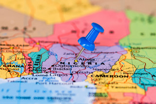 Media w Nigerii: Atak lotniczy na północy kraju, zginęło kilkudziesięciu cywilów