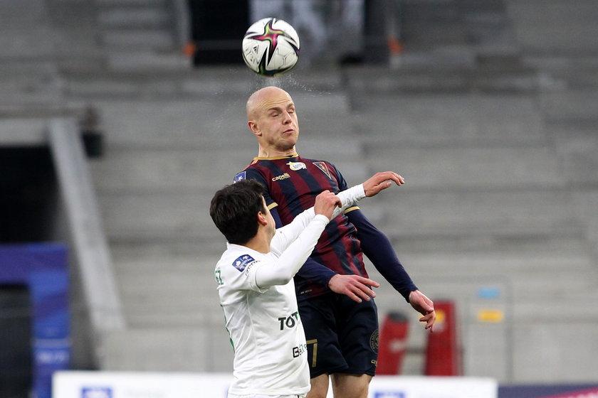 Kurzawa w ostatnich trzech ligowych spotkaniach strzelił dwa gole i przyczynił się do zdobycia czterech punktów przez Granatowo-Bordowych
