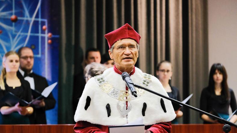 Rektor WUM prof. Zbigniew Gaciong
