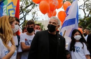 Ja'ir Lapid buduje front anty-Netanjahu