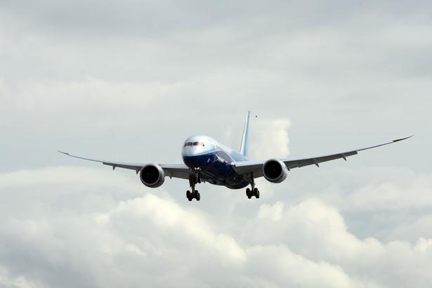 Boeing 787 należący linii United Airlines przeleci dziś z Houston do Chicago.