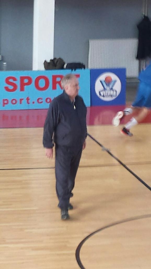 Božidar Maljković na trenerskoj klinici u hali Vizura