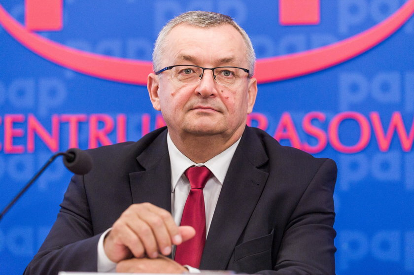 Andrzej Adamczyk traci nadzór nad programem Mieszkanie+