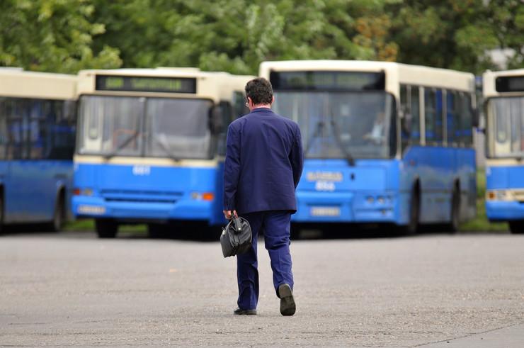 Novi Sad 585 gsp autobus vozaci foto Robert Getel