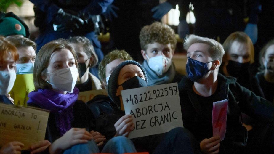 Protestujący w Poznaniu. Zdjęcie wykonane 25.10.2020