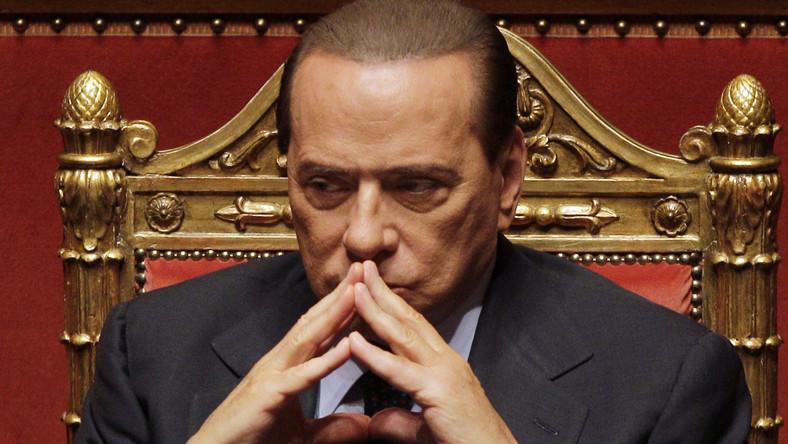 Ujawnili numer komórki Berlusconiego. Rozpetała się wojna