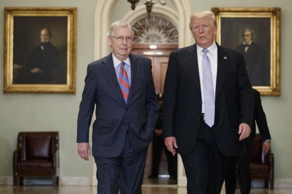 Mič Mekonel i Donald Tramp