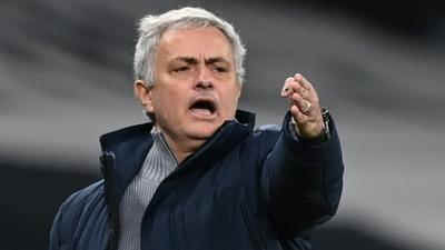 Tottenham cut cord with miserable Mourinho spell