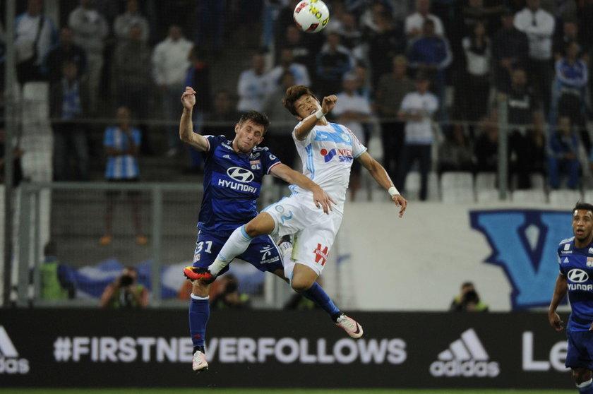 Maciej Rybus przeżył istny koszmar. Piłkarze Olympique Lyon zostali obrzuceni kamieniami