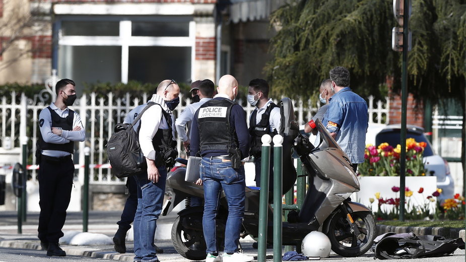 Francja: zmarła policjantka zaatakowana nożem